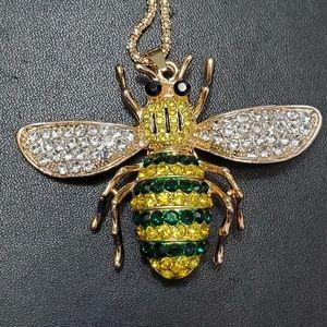 Rhinestone blingy bee pendant necklace